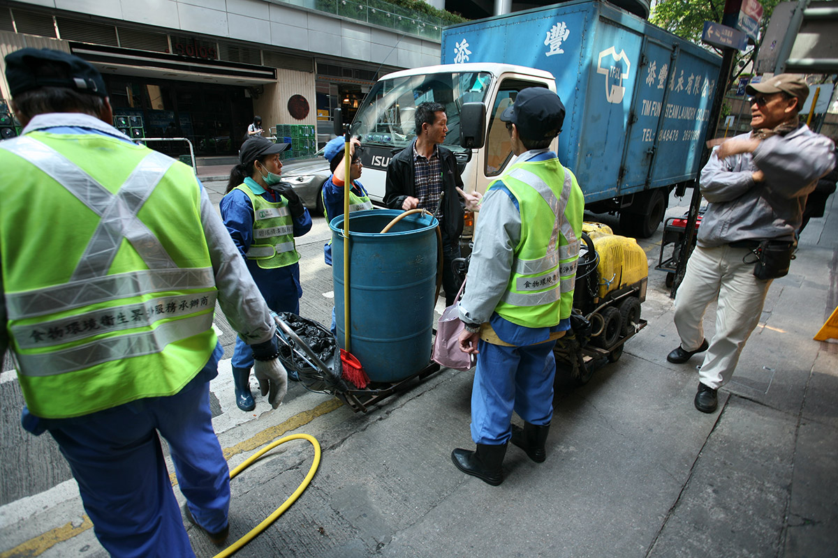 verasustudio_Fountain of the liquid stone_New Hindu Urban scared space_Pottinger Street, Hongkong_street cleaning